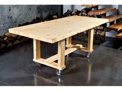 Masivní stůl na kolečkách Hana