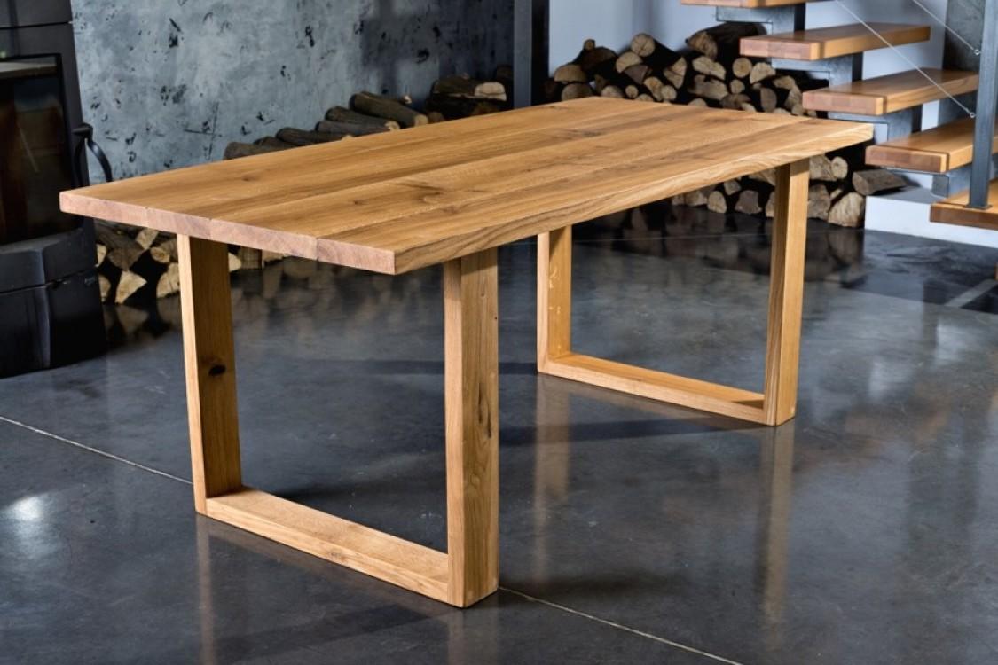 Jídelní stůl z masivu Julie