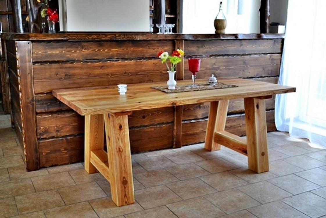 Masivní stůl Praděd