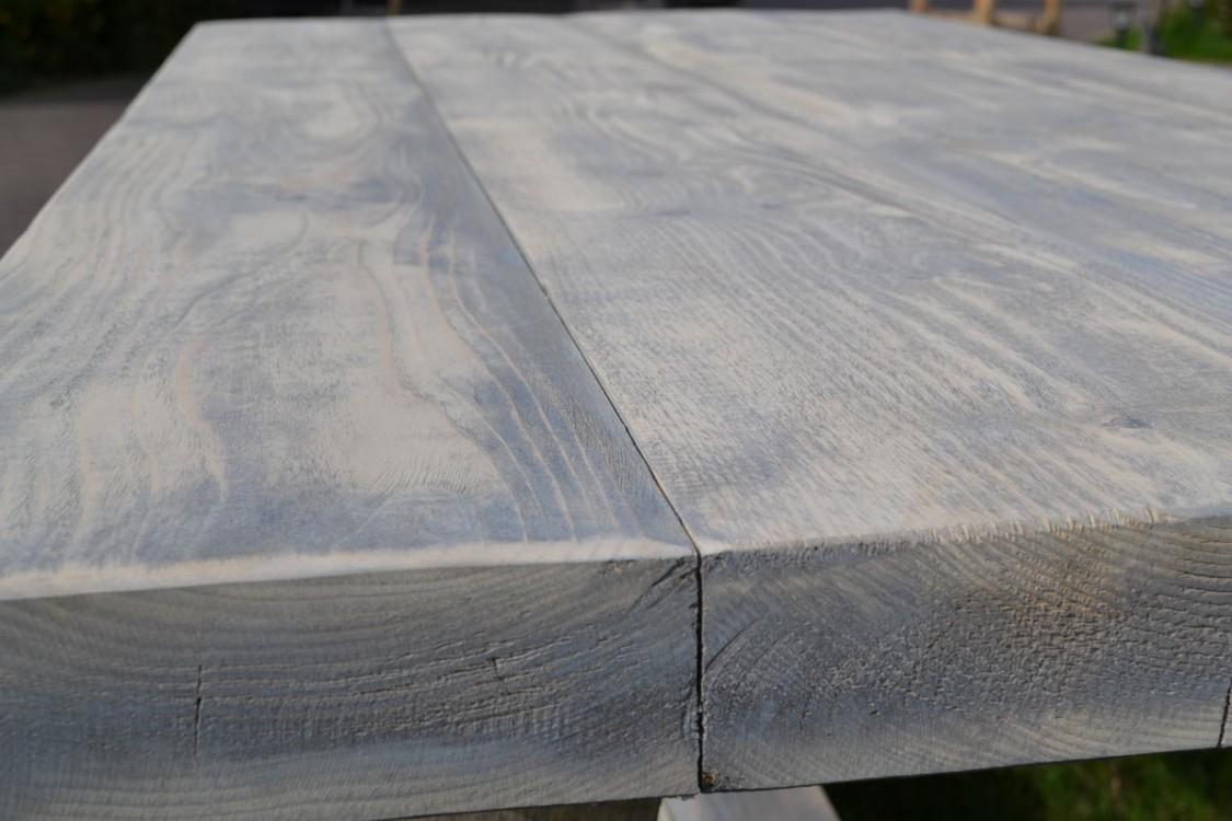 Masivní stůl Orlík
