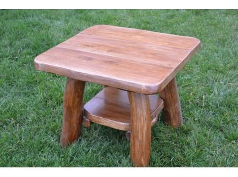 Masivní stolek Bobík