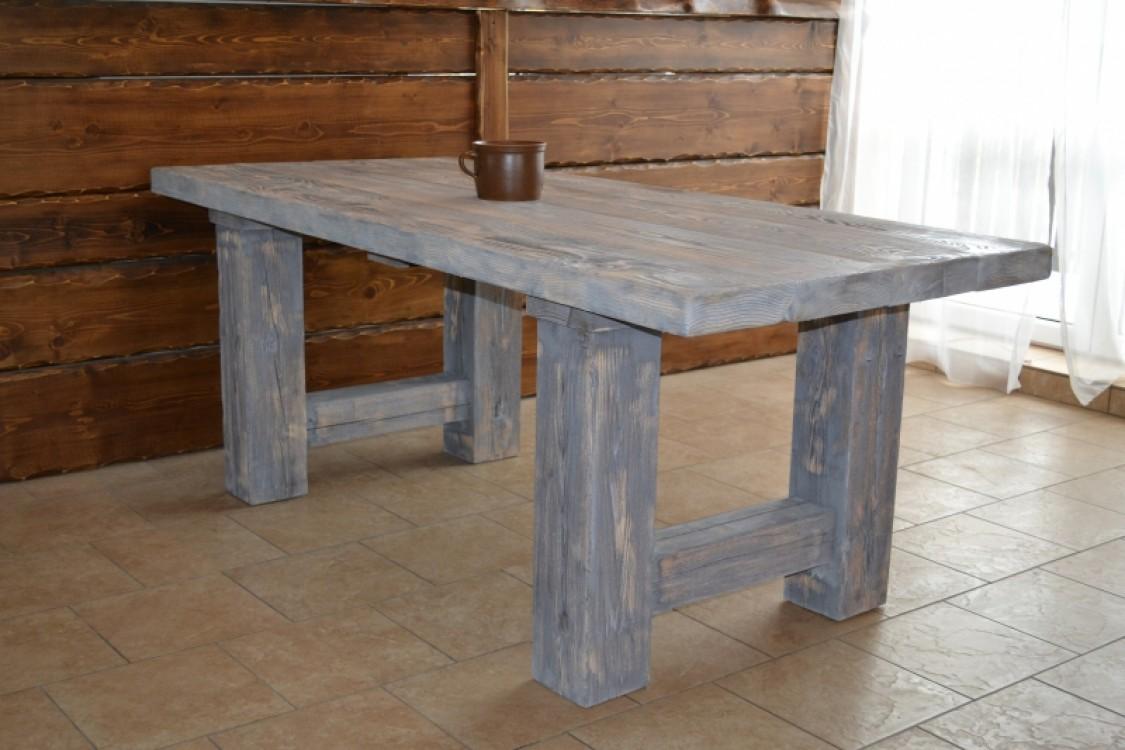 Masivní stůl Babuše