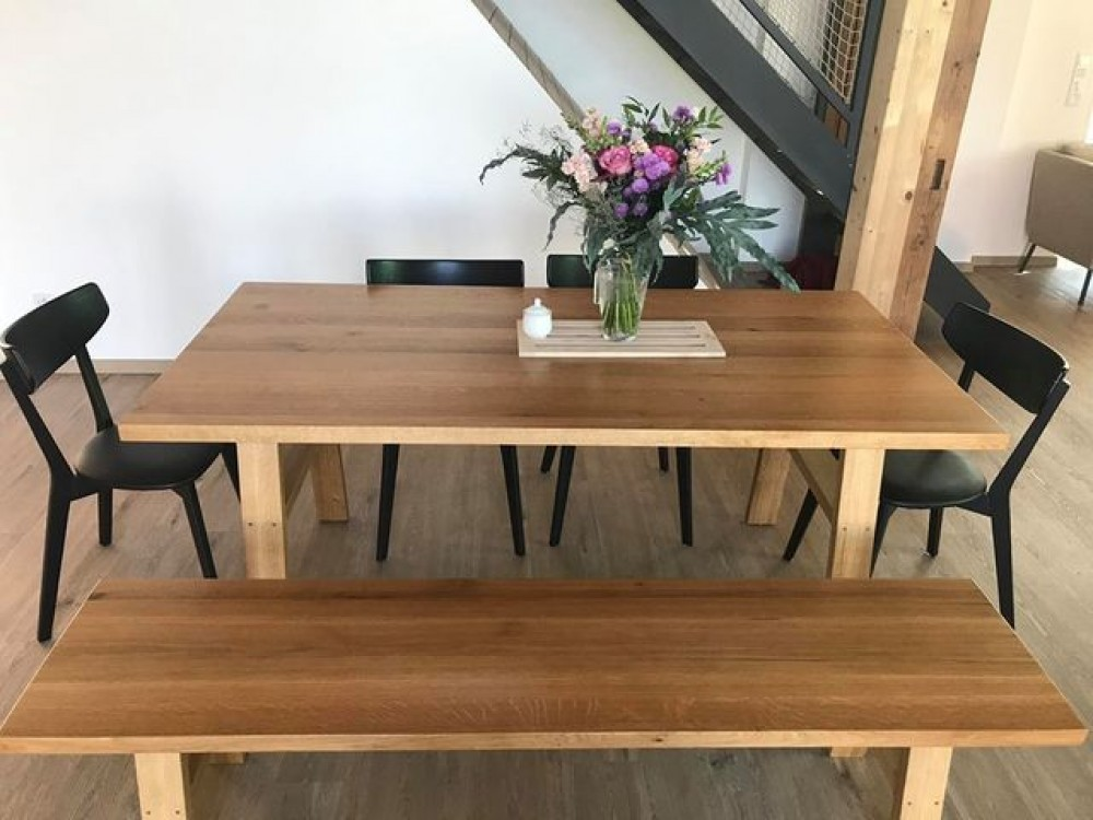 Jídelní stůl masiv Rick