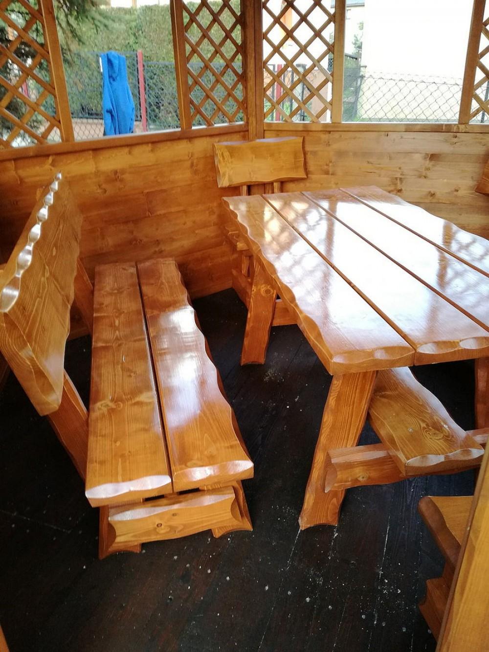 Dřevěný zahradní nábytek Vihorlat
