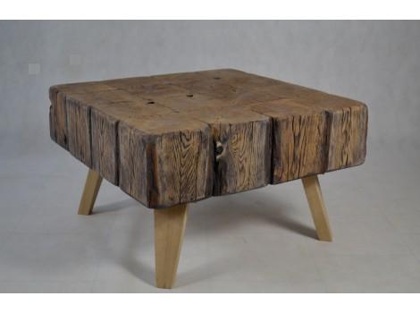 Konferenční stolek z masivu Robby