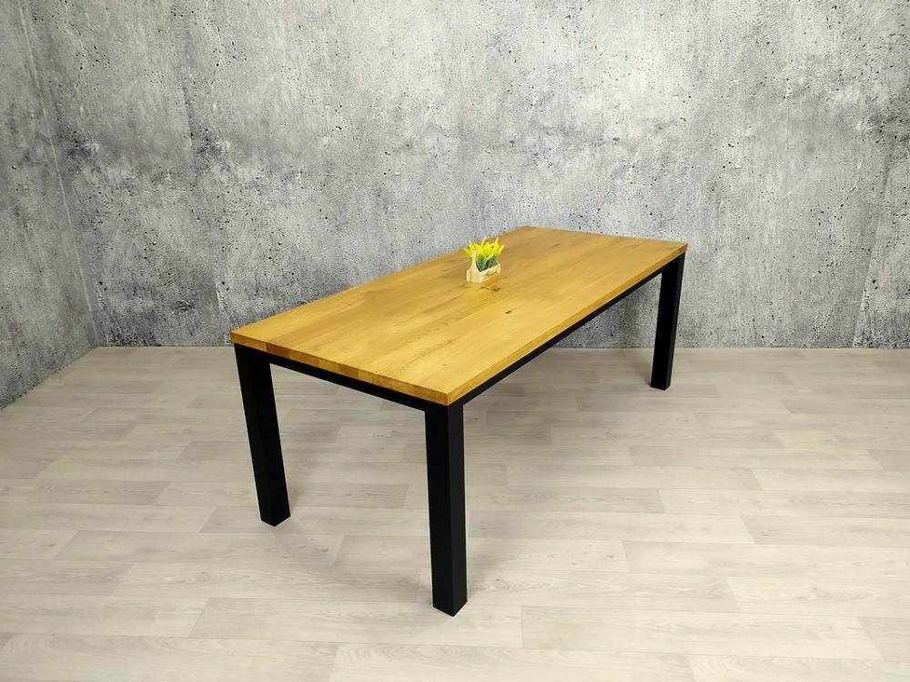Designový jídelní stůl z masivu Jim