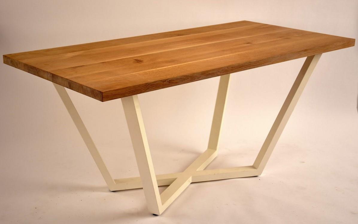 Jídelní stůl z masivu Leon