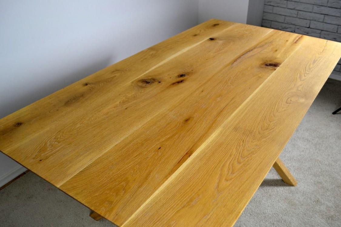 Jídelní stůl z masivu dub Daren