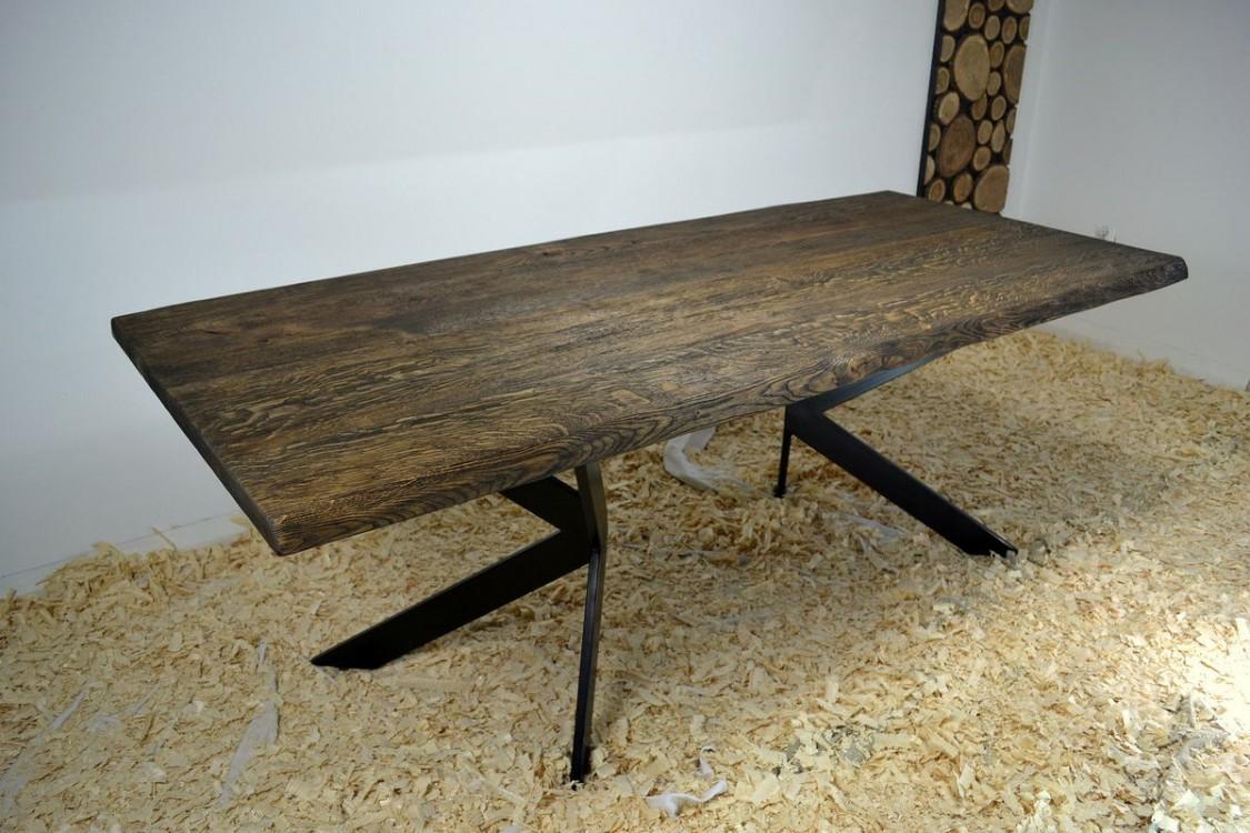 Jídelní stůl z masivu Simon