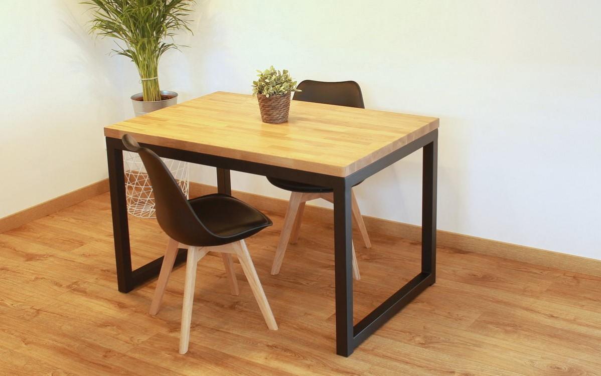 Jídelní stůl z masivu John