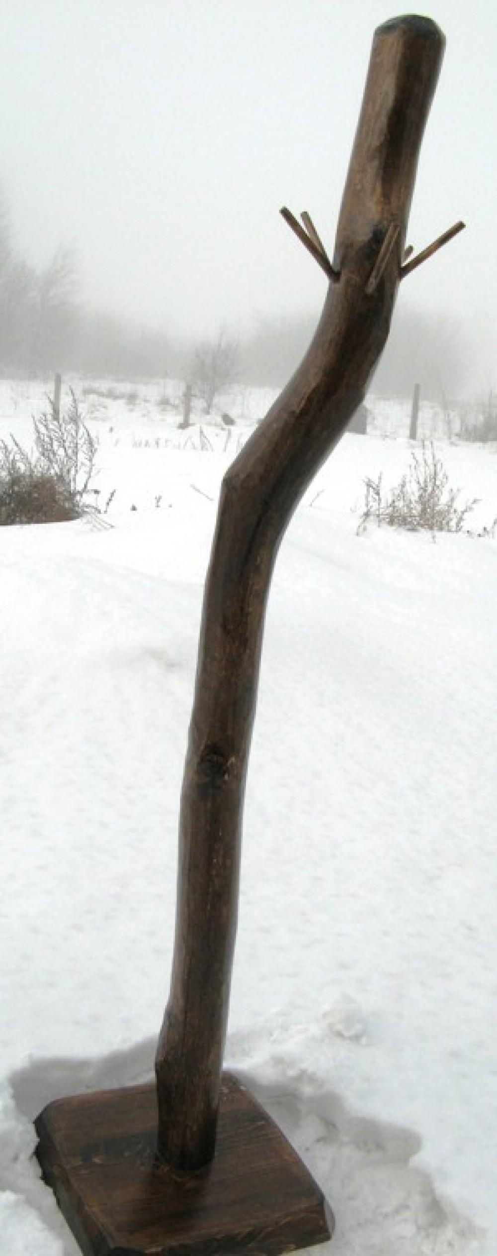 Dřevěný věšák na oblečení